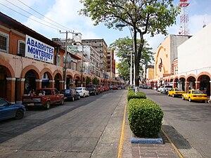 Español: Avenida Francisco I. Madero y sus por...