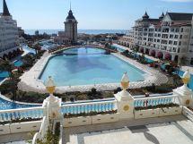 Mardan Palace - Wikipedia