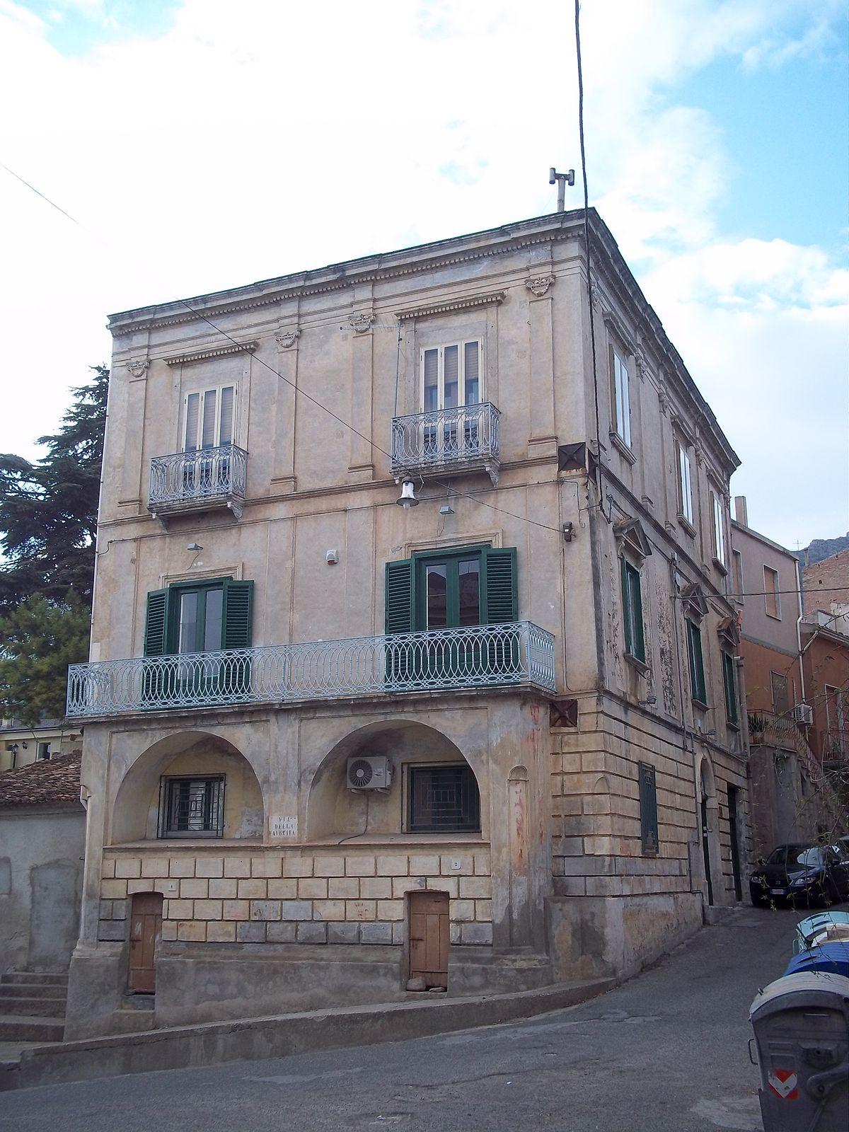 Palazzo Viafora  Wikipedia