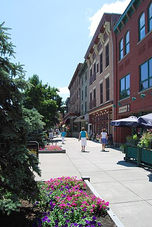 English: Downtown Saratoga Springs, New York, ...