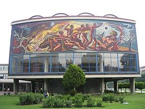 English: A mural at the National Autonomous Un...