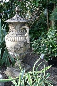 Garden ornament - Wikipedia