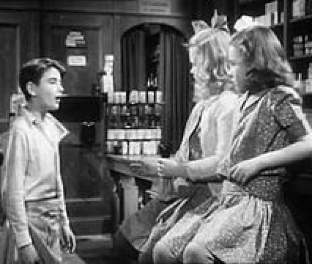 Young George Bobby Anderson With Violet And Mary In Mr Gowers Drugstore