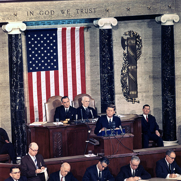 JFK delivers State of the Union Address, 14 January 1963.jpg