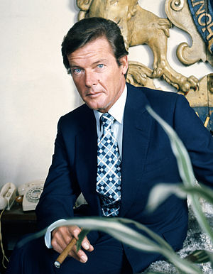 English: portrait of Sir Roger Moore