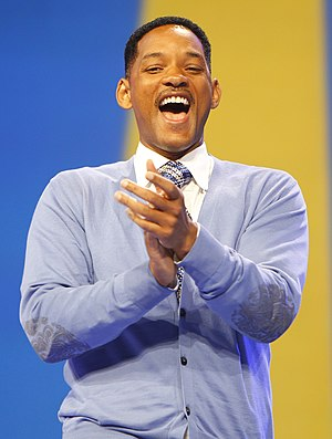 English: Actor Will Smith lights up the stage ...