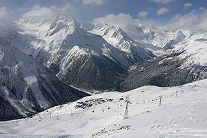English: Dombai, general view of skiing routes...