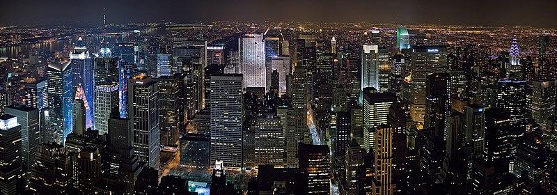 https://i0.wp.com/upload.wikimedia.org/wikipedia/commons/thumb/5/52/New_York_Midtown_Skyline_at_night_-_Jan_2006_edit1.jpg/800px-New_York_Midtown_Skyline_at_night_-_Jan_2006_edit1.jpg