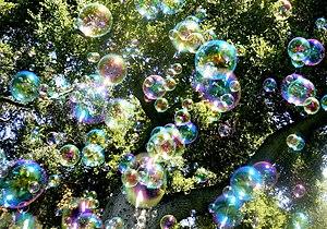 "English: Soap bubbles. ""Bubble Rain""..."