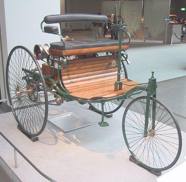 Berkas:Benz Patent Motorwagen 1886 (Replica).jpg