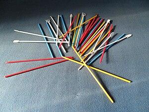English: Pick-up sticks Polski: Bierki