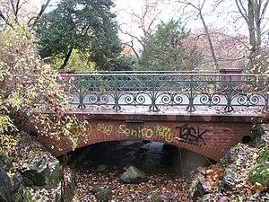 The Viktoriabrücke is a footbridge in Berlin-K...