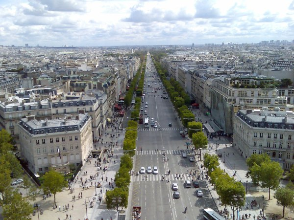 File Champs Elysees - Wikimedia Commons