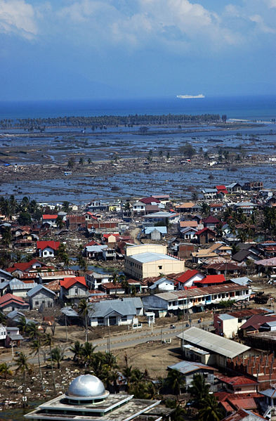 Berkas:Coast of Banda Aceh 2-12-05 050212-N-1450G-241.jpg