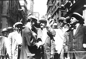English: Stock trading on the New York Curb As...