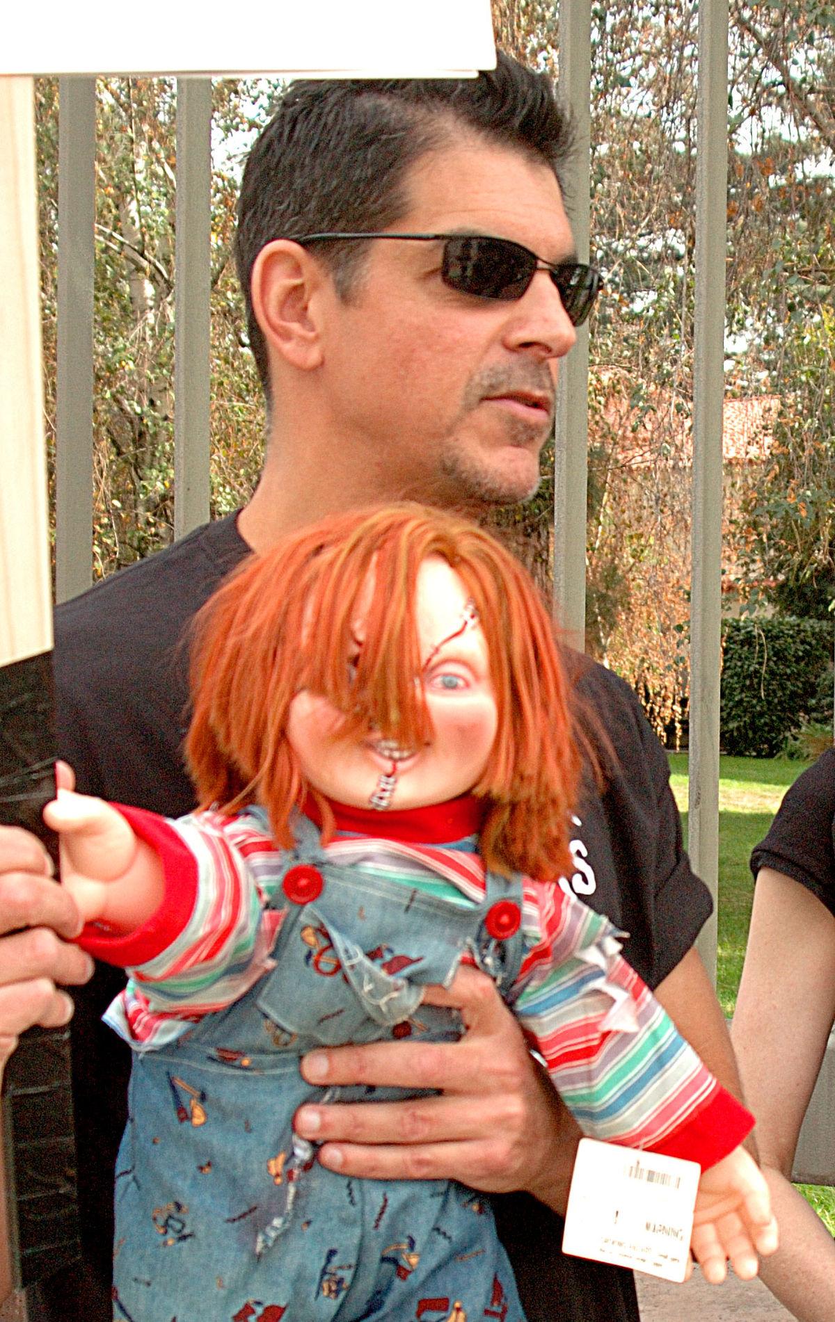 Un Gars Une Fille Font L Amour Dans La Chambre : fille, amour, chambre, Chucky, Wikipédia