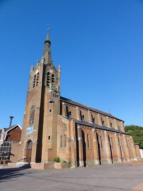 Fichier:Neuf-Mesnil (Nord, Fr) église, vue latérale.JPG