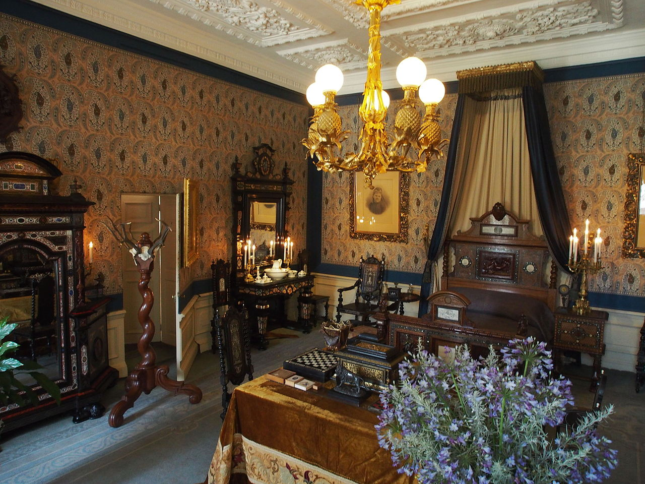 FilePaleis Het Loo interior pic32JPG  Wikimedia Commons