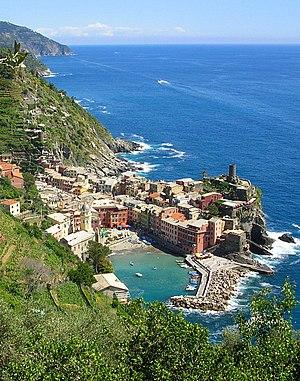 Vernazza town in Liguria, Italy. Nederlands: C...