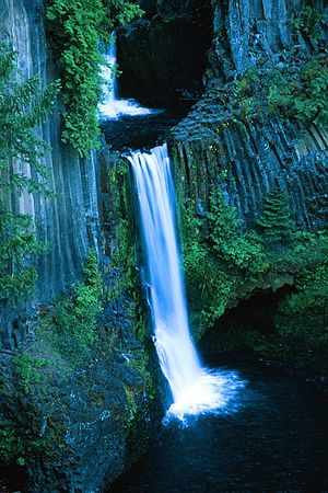 Multonomah Falls Wallpaper Desktop آبشار توکتی ویکی پدیا، دانشنامهٔ آزاد