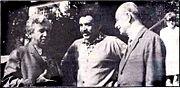 Adonias Filho (a direita) com os colegas Gabriel Garcia Marquez (ao centro), e Jorge Amado (a esquerda).
