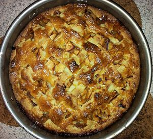 English: Apple Pie: after baking Deutsch: Appl...