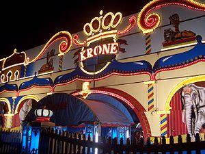 Deutsch: Eingangsportal des Circus Krone
