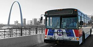 English: MetroBus with a view of the St. Louis...