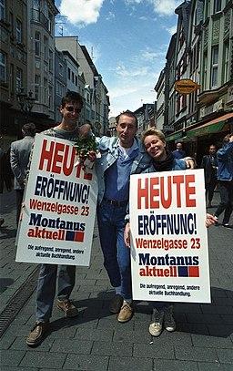 https://i0.wp.com/upload.wikimedia.org/wikipedia/commons/thumb/5/57/Bundesarchiv_B_145_Bild-F079081-0018%2C_Bonn%2C_Fu%C3%9Fg%C3%A4ngerzone%2C_Sternstra%C3%9Fe.jpg/256px-Bundesarchiv_B_145_Bild-F079081-0018%2C_Bonn%2C_Fu%C3%9Fg%C3%A4ngerzone%2C_Sternstra%C3%9Fe.jpg