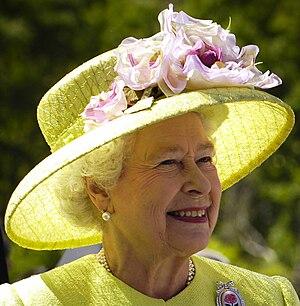 Elizabeth II greets NASA GSFC employees, May 8...