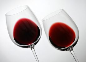 Comparing the effect on colour of oak aging wi...