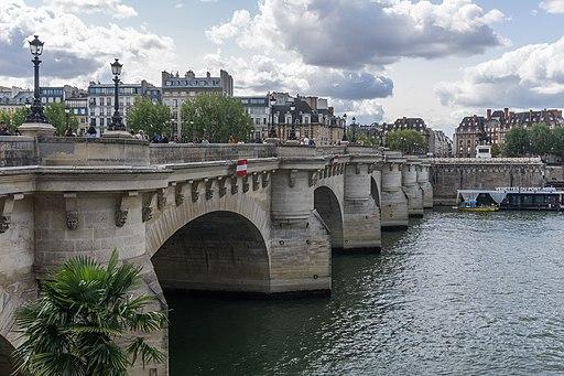 Pont Neuf - Paris - France