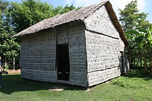 English: The replica of the hut that was used ...