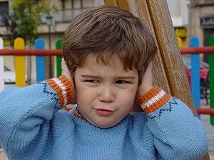 self made. en:childrens, noises. gl:nenos, ruí...