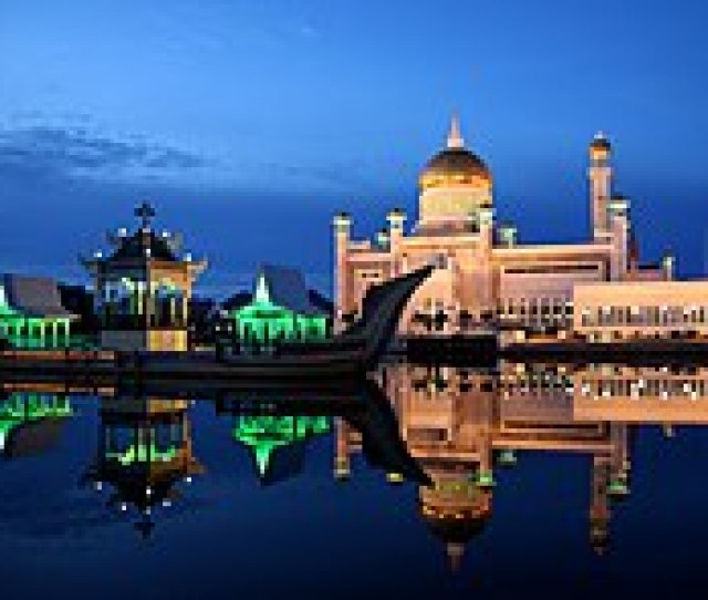Sultan Omar Ali Saifuddin Mosque In Brunei On The Eve Of Ramadhan The Wealthy Kingdom Adopted Melayu Islam Beraja Malay Islamic Monarchy As The National