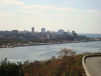 English: The Havana skyline
