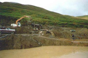 File:Placer Gold Mining Trommel Blue Ribbon Mine Alaska.jpg