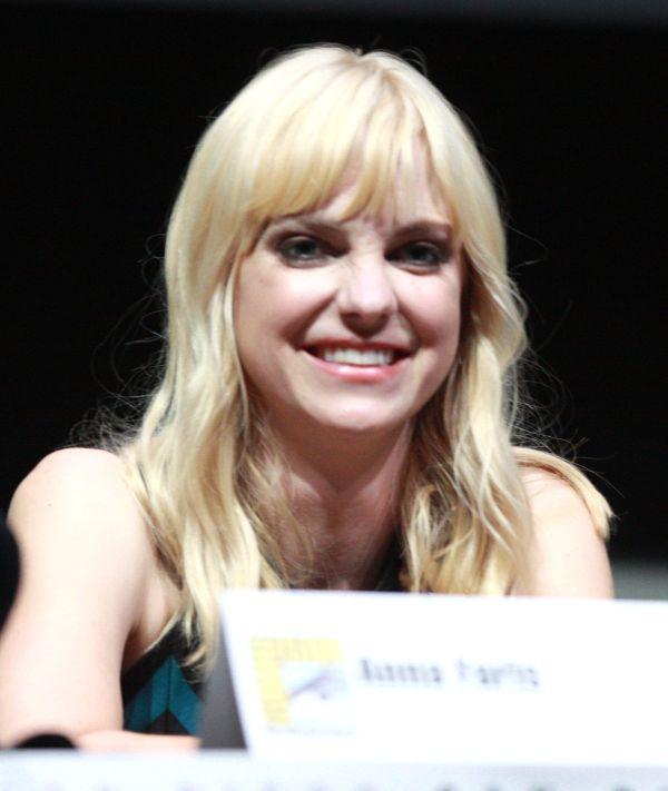 Anna Faris - Wikipedia