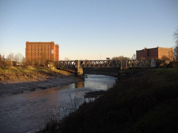 Ashton Avenue Bridge - Wikipedia