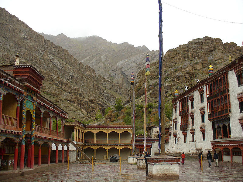 File:Hemis Gompa, India 2006.jpg
