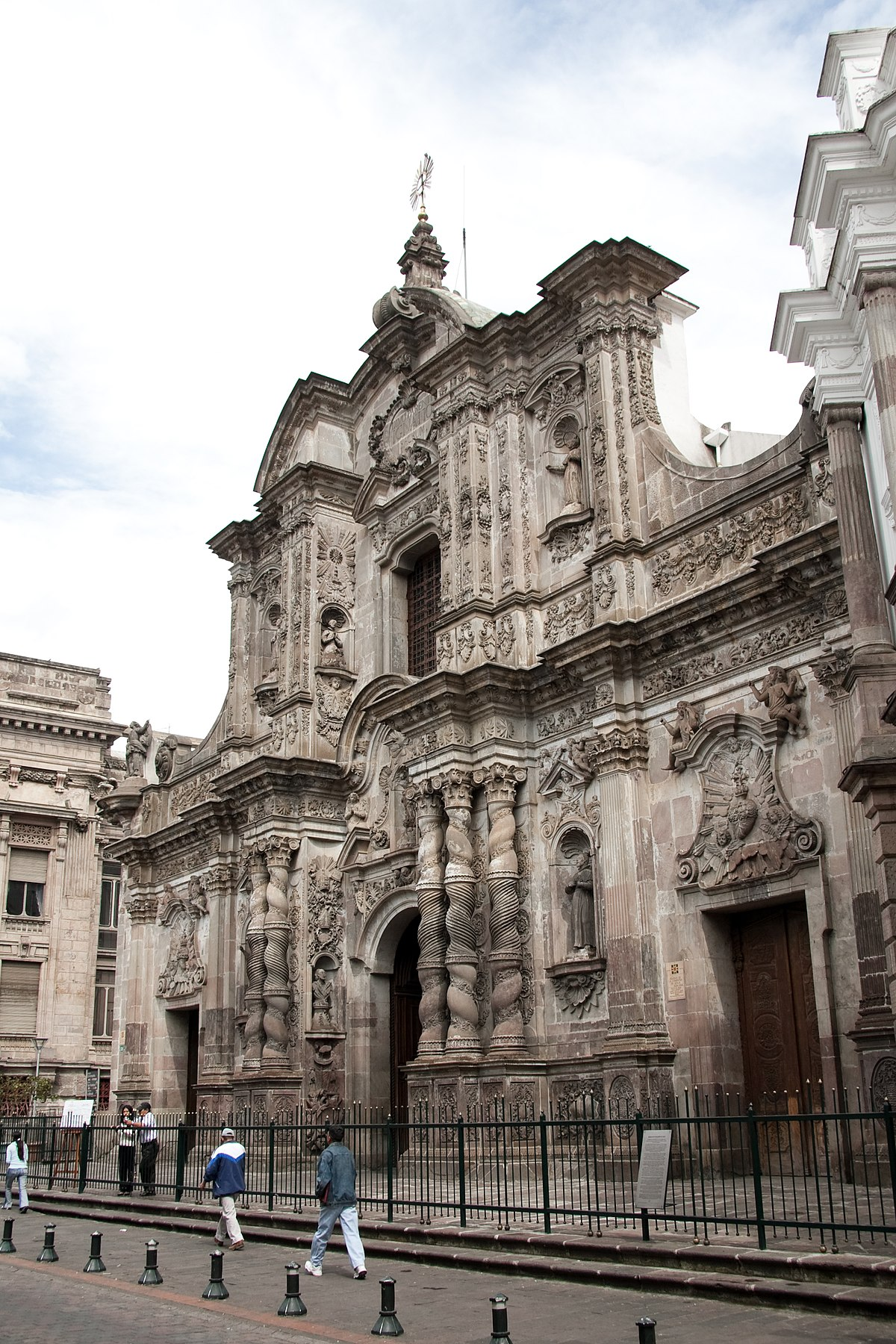 Quito  Travel guide at Wikivoyage
