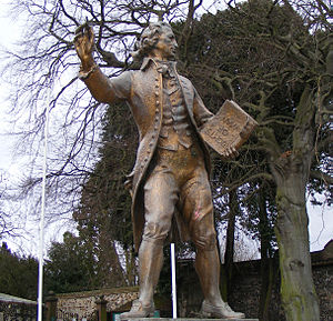English: Thomas Paine statue, Thetford, UK