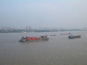 English: Cargo boats on the Changjiang (Yangtz...