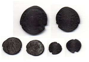 Monedas romanas navam