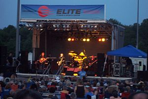 Tommy James and the Shondells playing a free o...