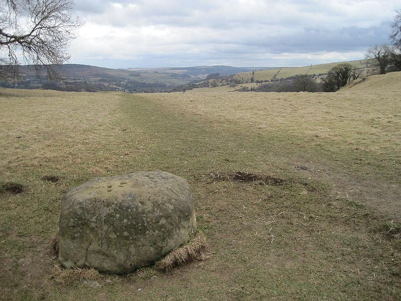 File:Boundary Stone, Eyam.jpg