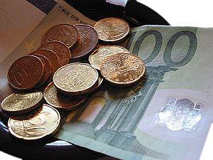 Français : Quelques euros en paiement.