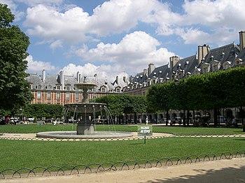 Vue d'ensemble de la Place des Vosges