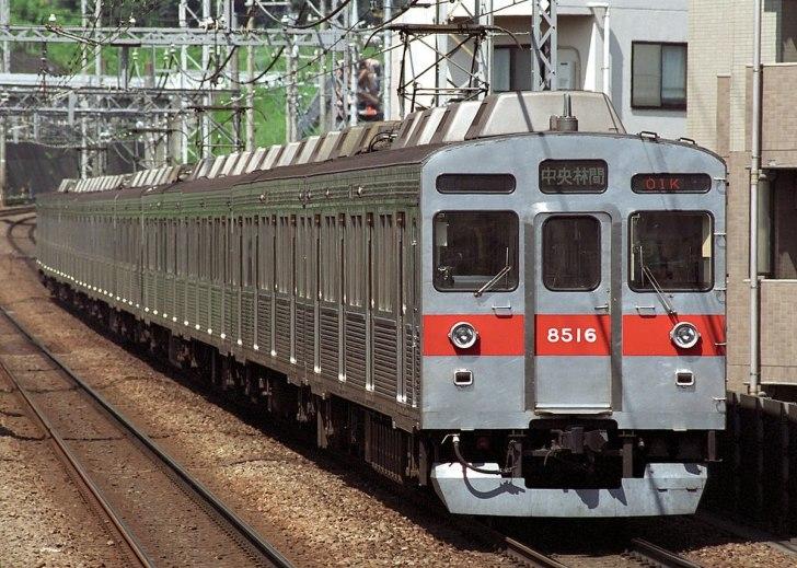 8500系10両編成(田園都市線用)(2007年8月16日 / 市が尾駅)