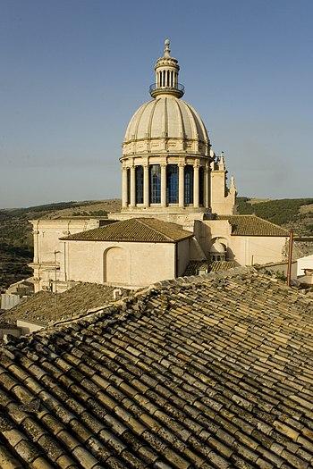 English: Dome of the cathedral of Ragusa Ibla ...